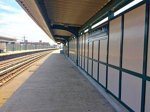 Beach 60th Street (IND Rockaway Line) - Image: Beach 60th Street Mott Avenue Bound Platform