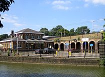 Berkhamsted Railway Station.jpg