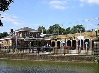 Berkhamsted railway station - Main entrance, with Grand Union canal in foreground