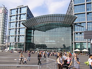 BerlinMainStation01.JPG