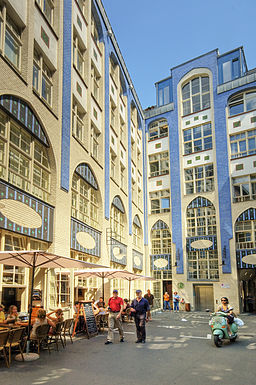 Berlin Höfe (575671533)