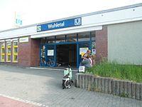 Berlin S- und U-Bahnhof Wuhletal (9497855442).jpg