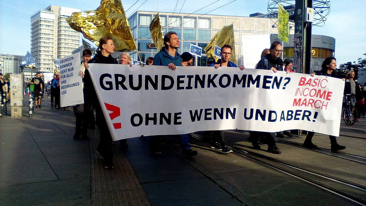 Berlin UBI march (48962525928).jpg