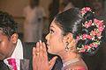 Biddende vrouw Sri Lanka.jpg