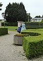 Biedermeiermode vor dem Herrenhaus Cromford (4).jpg