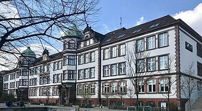 Brecht-Schule in Hamburg 2019, Altbau.jpg