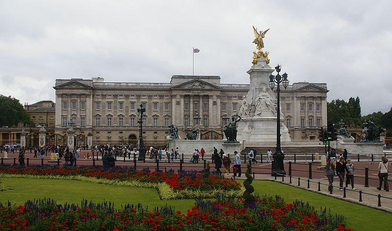 see: Buckingham Palace