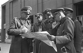 Maximilian von Weichs - Weichs (middle) with Johannes Blaskowitz (right) in Poland, 1939