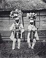 COLLECTIE TROPENMUSEUM Portret van twee krijgsdansers Ambon TMnr 60000045.jpg