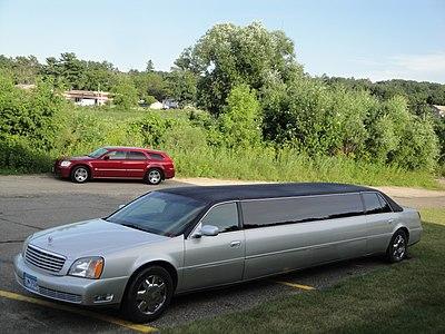 Cadillac Limousine (5976141651).jpg