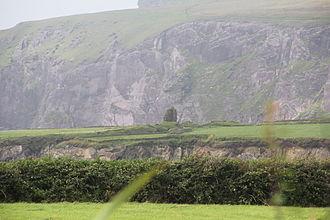 Piaras Feiritéar - Remains of Caisleán an Fheirtéaraigh, castle of the poet Piaras Feiritéar, An Baile Uachtarach Thiar.