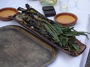 Catalan cuisine - Calçots with Romesco sauce for dipping
