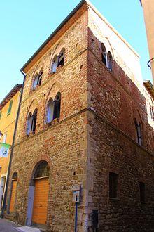 La duecentesca Casa delle Bifore