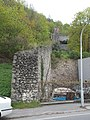 Castle wall between Route 11 and the Lower Castle, 2018 Visegrád.jpg