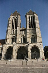 Western facade of the Cathedral of Noyon