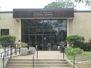 Lon Morris College - Cecil E. Peeples Academic Center