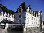 Château de Villandry aile droite.JPG