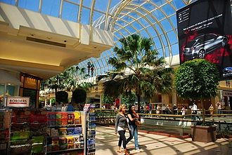 Chadstone Shopping Centre - Interior view of the centre, prior the 2007-2009 extension.