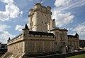 Chateau-de-Vincennes-donjon.jpg