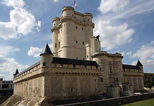 Château de Vincennes - Wide angle view of the keep