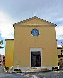 Chiesa dei Santi Lorenzo e Agata (facciata), Guardistallo