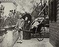 Chinesischer Photograph um 1875 - Europäische Frau mit Kind (Zeno Fotografie).jpg