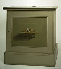 Console Cupboard with af painted motif, shelf with stones