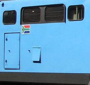 South African Class 6E1, Series 8 - Hatch door L