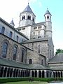 Cloître de l'ancien monastère Sainte-Gertrude 03.JPG