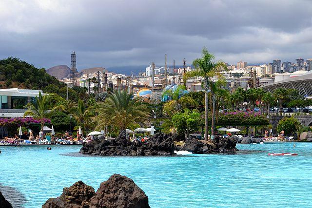corto Inglés tetona cerca de Santa Cruz de Tenerife