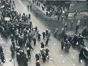 Holodomor - American communists attacking a demonstration of Ukrainians against Holodomor, Depression-era Chicago, December 1933