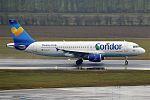 Condor, D-AICF, Airbus A320-212 (16271085157) (2).jpg