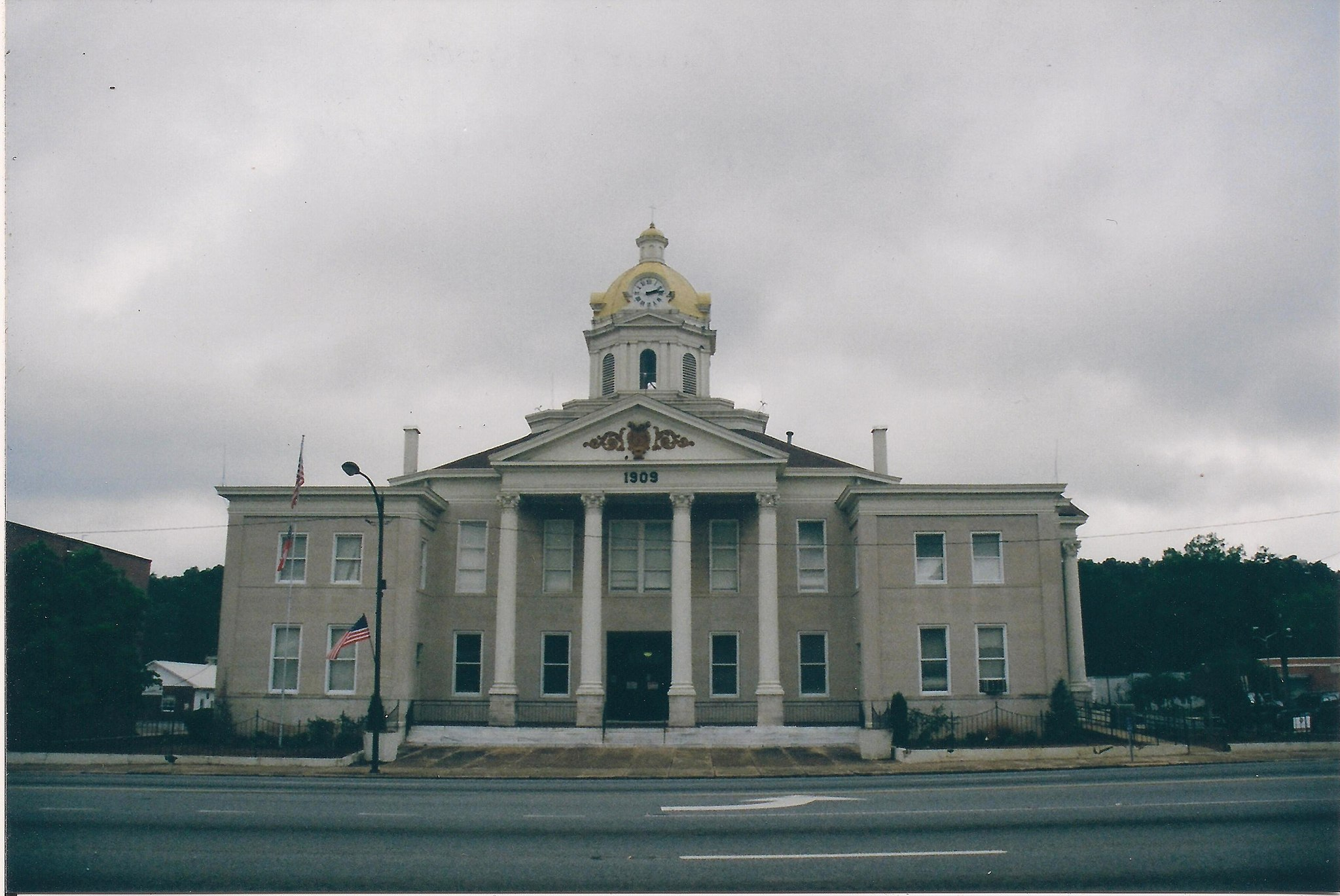 Courthouse at Summerville, GA 001