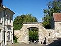 Crépy-en-Valois (60), porte Sainte-Agathe, rue Goland.jpg