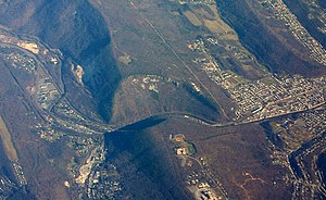 Cumberland Narrows - Oblique air photo of the Cumberland Narrows, facing northeast, December 2006