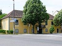 Deutsch Wagram Erzherzog Carl Haus.jpg