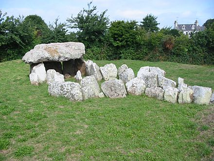 La Pouquelaye de Faldouet was constructed on a site on the east coast looking across to the Cotentin Peninsula. Dolmen Faldouet Jersey.jpg