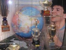 Legende Jugo košarke 220px-Drazen_Statue6b