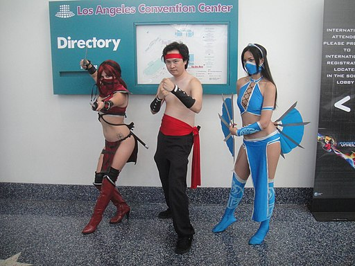 E3 Expo 2012 - cosplay fighters