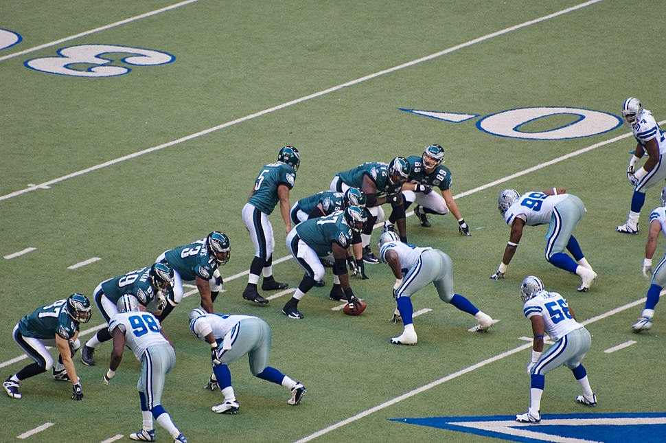 Eagles vs Cowboys 2007 - McNabb calls play to Schobel