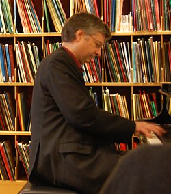 Einar Røttingen at Bergen Public Library (cropped).jpg