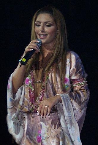 Elena Paparizou - Paparizou performing in Chicago in September 2005