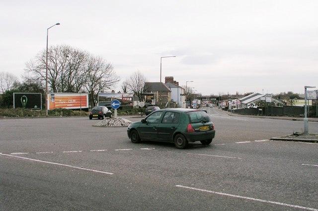 Ely Bridge Roundabout - geograph.org.uk - 289179