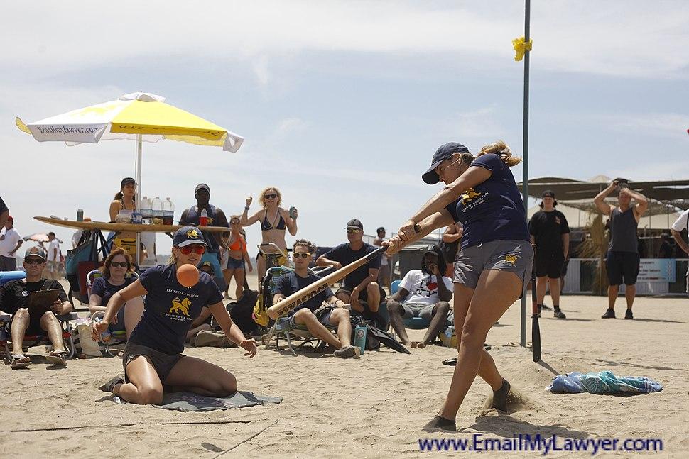 EmailMyLawyer.com OTL Ladies Elite Team Lisa Smash