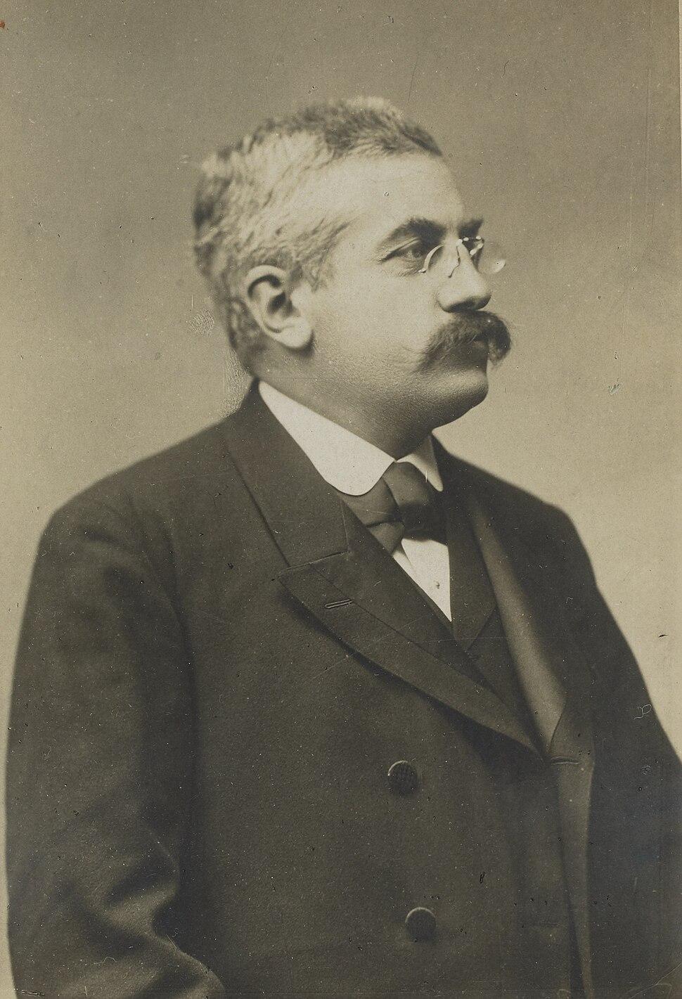 Exposition universelle de 1900 - portraits des commissaires g%C3%A9n%C3%A9raux-Alexandre Millerand