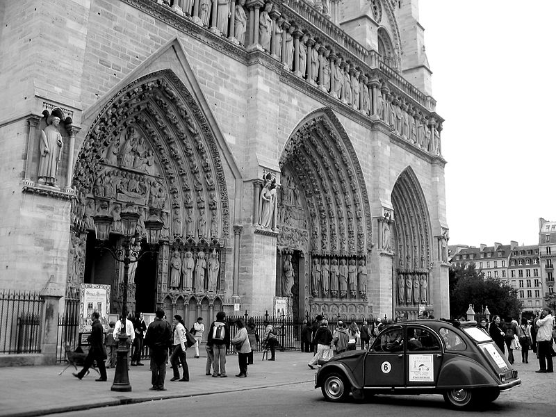 Fichier:Facade ouest n d paris 2006.jpg