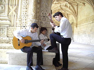 Portuguese people - Portuguese men playing Fado