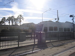 Fair Oaks station - A VTA train at Fair Oaks Station