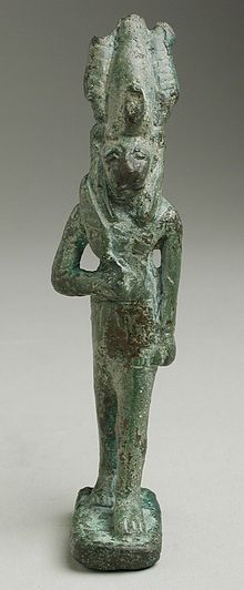 Figurine of a Lion Headed Deity Holding Knife LACMA M.80.203.107 (1 of 2).jpg
