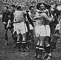 Finale de coupe du monde 1938, les Italiens tout à leur victoire.jpg